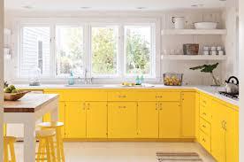 رنگ زرد در کابینت